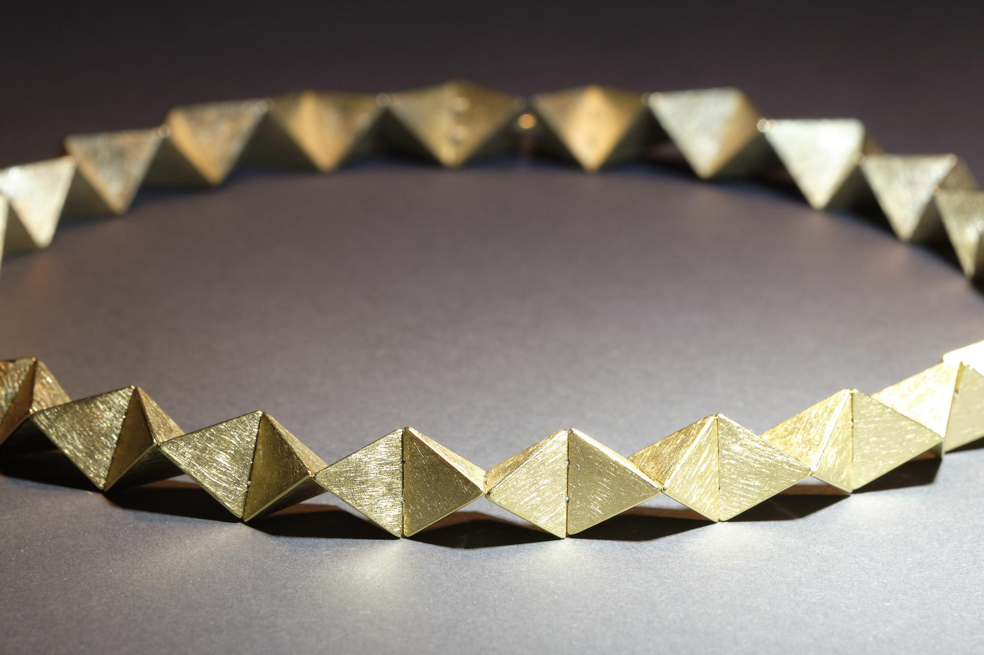 Tetraederkette Gold