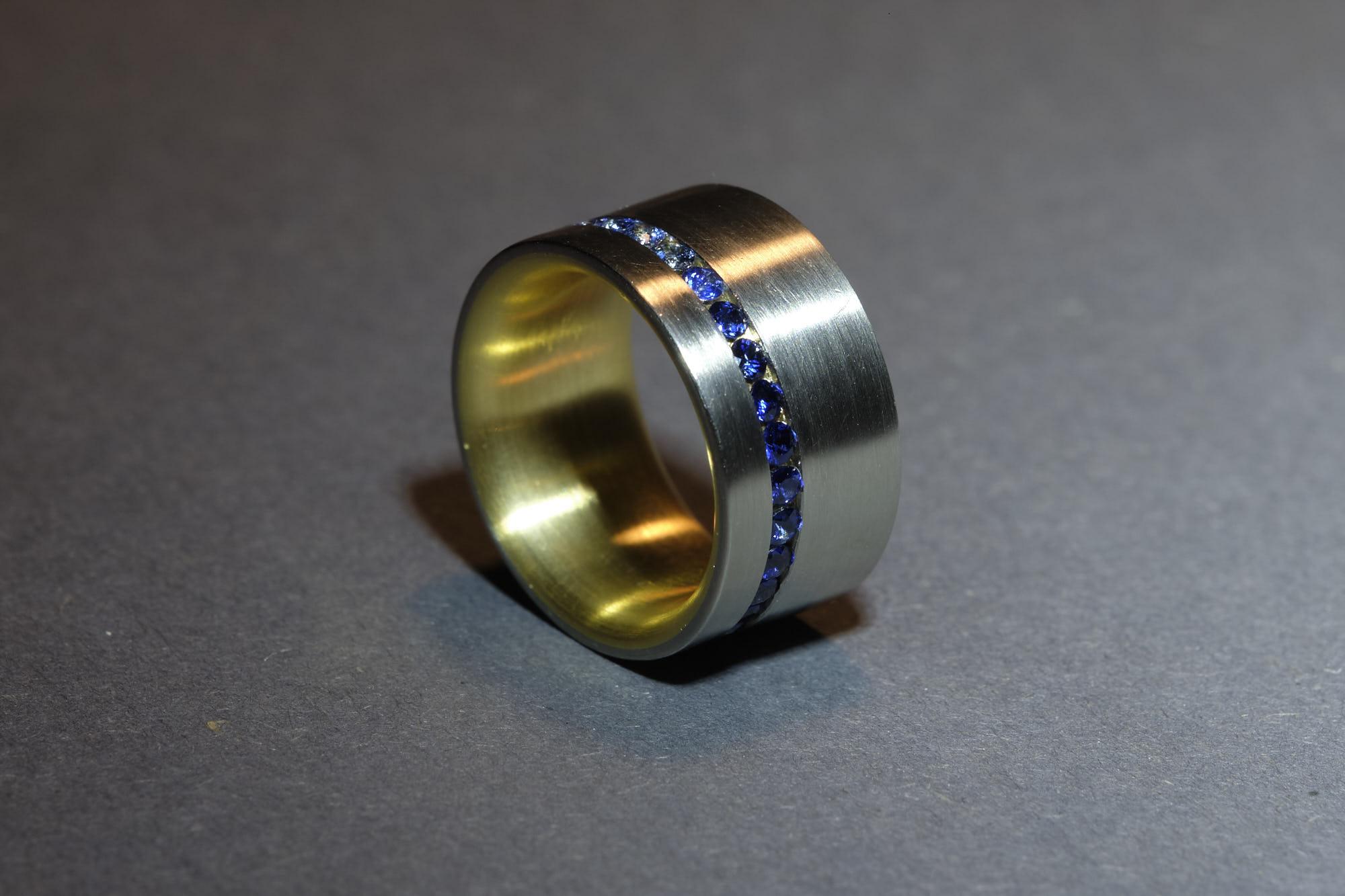 Ring Platin / Gold / Sahphir